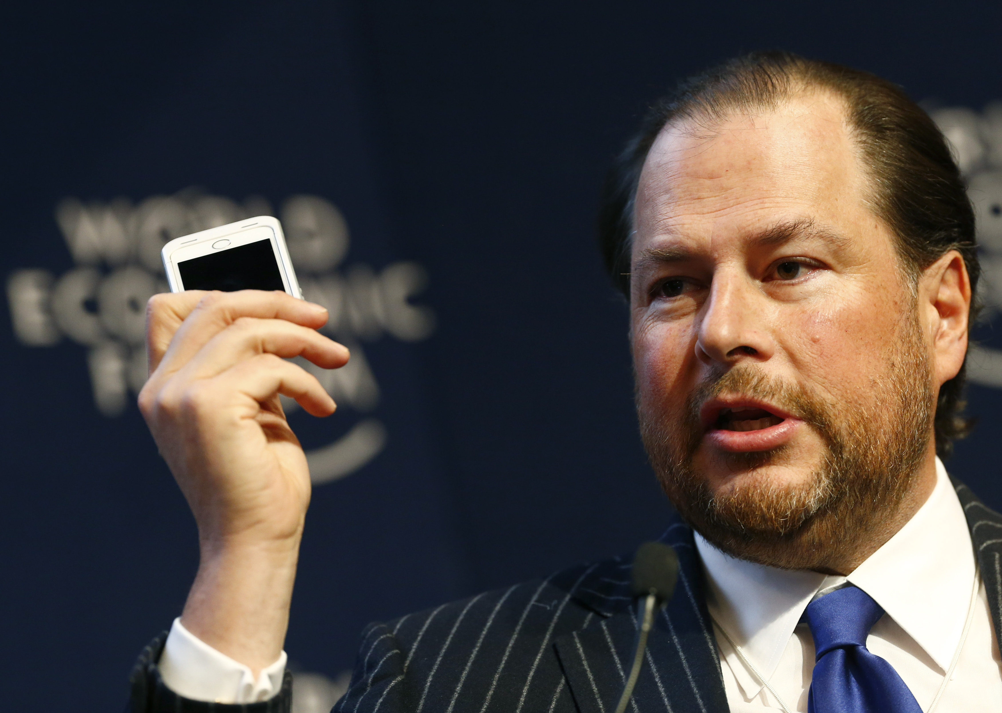 Marc R. Benioff, Chairman and Chief Executive Officer of Salesforce.com, speaks during a session at the annual meeting of the World Economic Forum (WEF) in Davos January 22, 2014. REUTERS/Ruben Sprich (SWITZERLAND - Tags: POLITICS BUSINESS HEADSHOT) - RTX17PAX