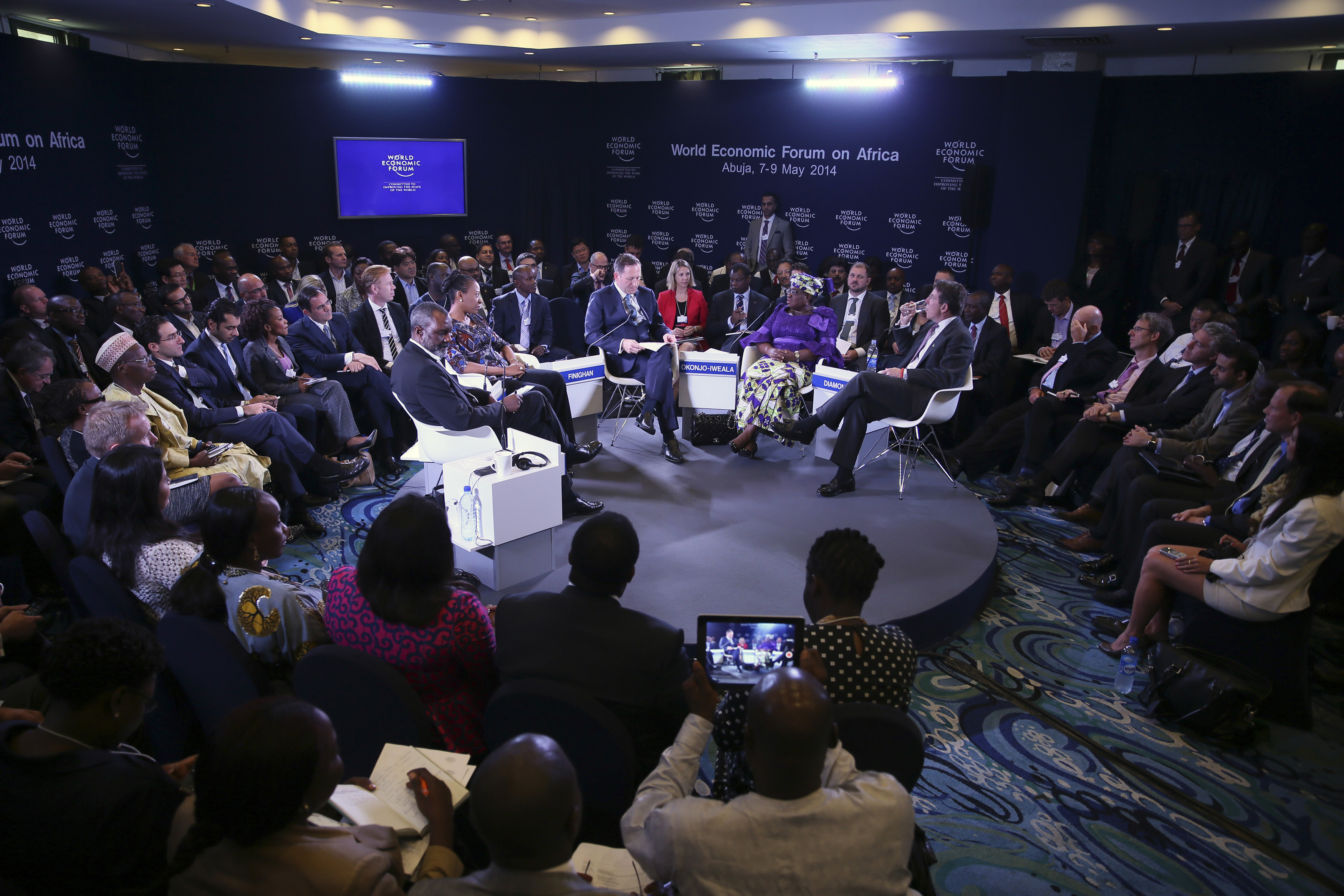 davos the world economic forum Prime minister justin trudeau will be among the headliners when 3,000 of the world's elite business leaders, activists and politicians gather this week for the annual invite-only world economic forum in davos, switzerland.